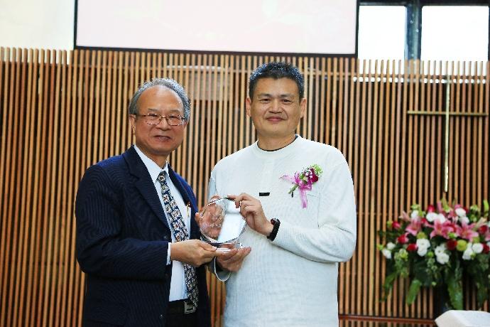 104學年度*教師教學傑出獎TEDTALKS-楊安邦